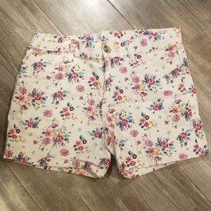 GIRLS SHORTS WITH FLOWER PATTERN SIZE 12